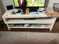 TV stand (good condition) Toronto, M5A 2T5