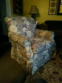 Craftmaster arm chair $25 obo Liverpool, 13090