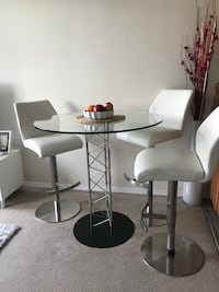 Round table and 3white stools Vancouver, V6Z 2E1