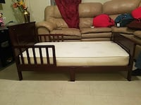 Toddler bed  Paterson, 07501