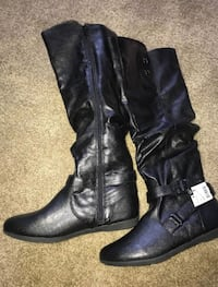 pair of black leather boots Phoenix, 85033