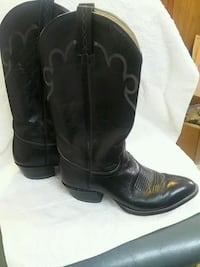 pair of black leather cowboy boots Louisville, 40220