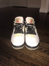 Retro 4 white cements sz 9.5 White Plains, 10606
