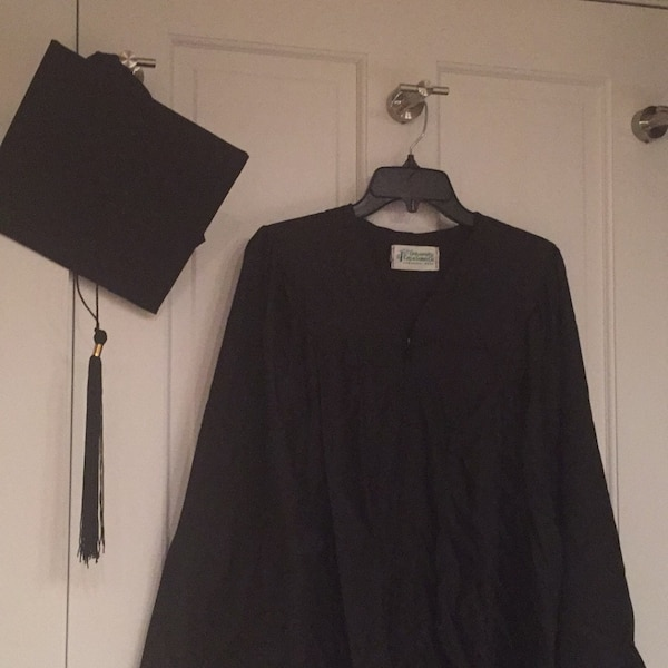 Used Graduation cap and gown for sale in Concord - letgo