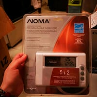 Noma heating/cooling programmable thermostat Burnaby, V5G 1C8