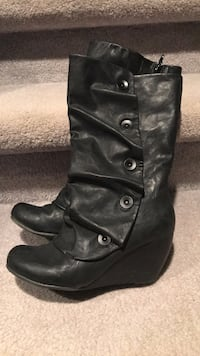 Spring boots, size 7. 1947 km