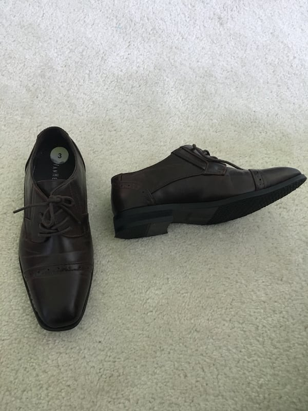 Boys size 3 dress shoes d7b66497-850a-4594-abf4-4ea0f868084a