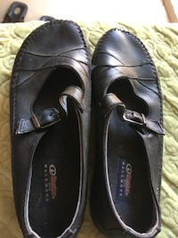 pair of black leather loafers Fresno, 93722