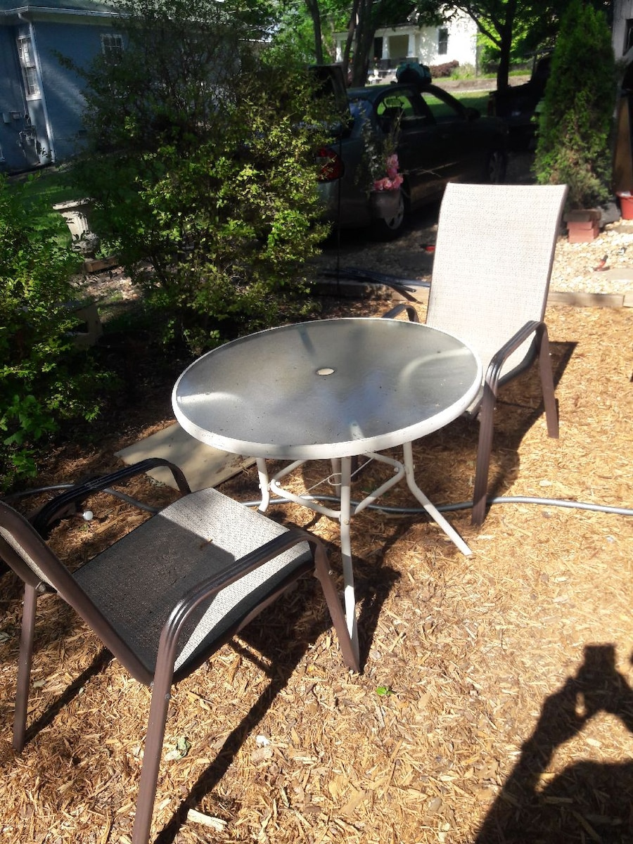 begagnad table and 2 outdoor chairs 400 other items listed till salu rh se letgo com