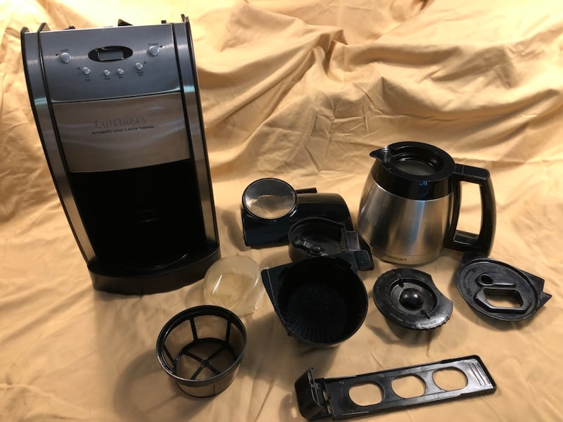 Cuisinart Grind & Brew, Brushed Chrome Coffee Maker 0