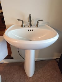 Toilet pedestal sink light and accessories Silver Spring, 20906