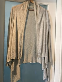 Lot of two ~ h&m wrap & sweater ~ size medium Surrey, V4N 6A2