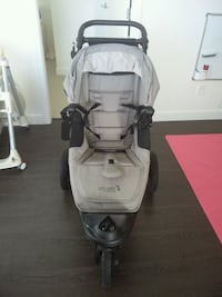 baby's gray and black jogging stroller Surrey, V3V