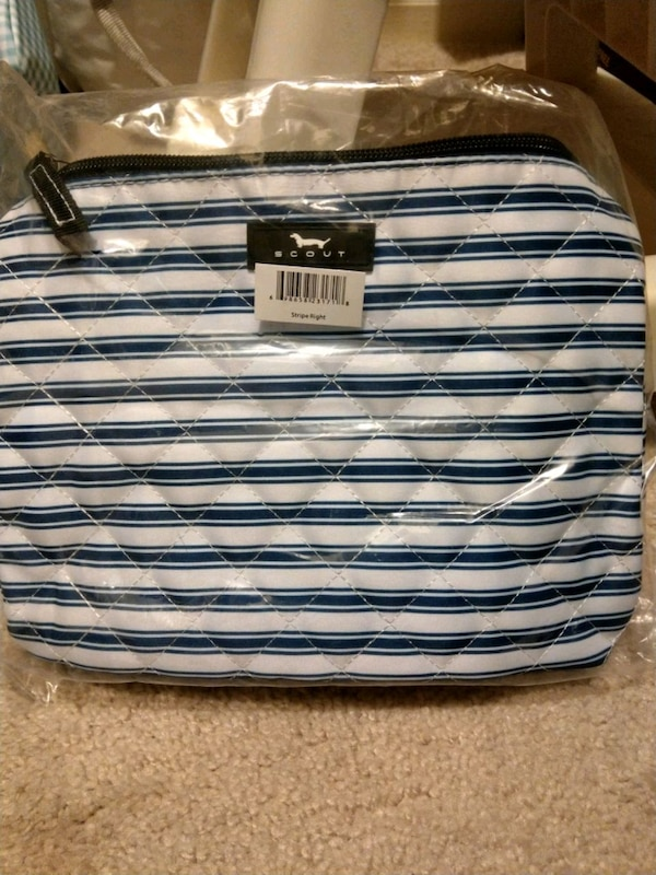 Scout brand makeup bag BRAND NEW 0