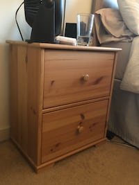 Solid Oak Nightstand Table Vancouver, V6E 1H8