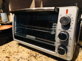 Toaster oven by Black&Decker