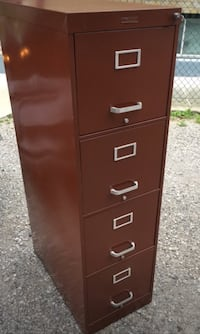 File cabinet with key Toronto, M8Y 3C4