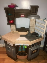 White and brown kitchen playset New York, 10033
