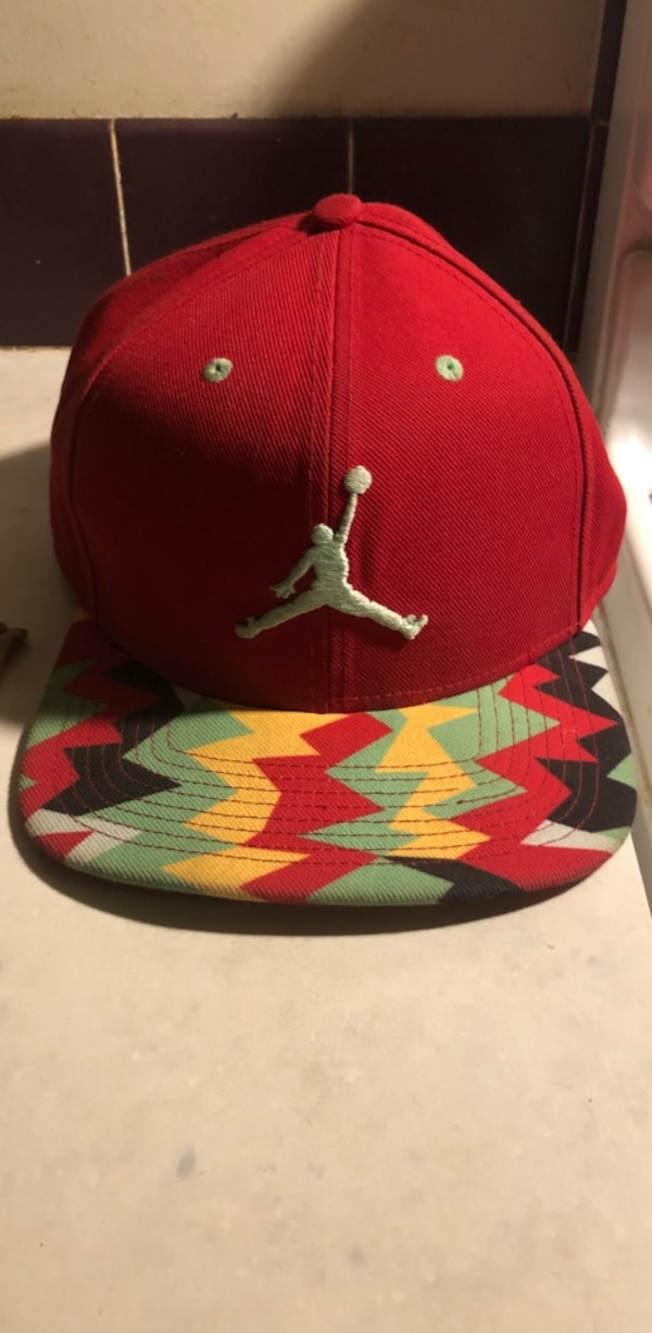 a8ec6fdb4ecb Used Red and white air jordan cap for sale in Wolfforth - letgo