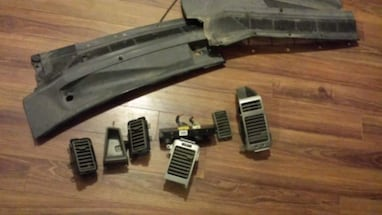 2006 Nissan titan Heating vents and actuator