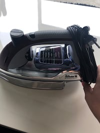 Shark  Max Power 1800 Watt Iron Monrovia, 21770