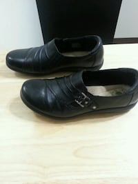Earth origin wide leather shoes  Peterborough, K9J 8B8