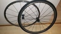 ultegra 700 aluminum rims. fits any 10 or 11 gears.excellent condition Caledon, L7E 2J7