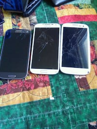 three black and white Samsung android smartphones Calgary, T2A