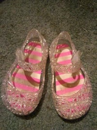 pair of pink-and-white shoes Lacey, 98503