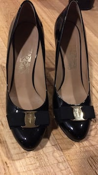 pair of black leather pointed-toe heels Toronto, M6L 1R7