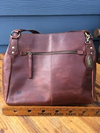 Born Leather purse Vancouver, 98684