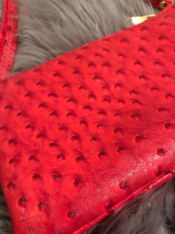 Small red/pink cross body purse 1