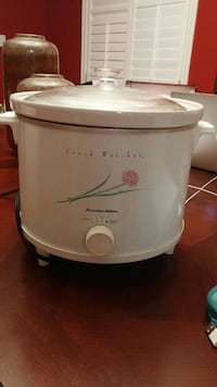 Large capacity Crock-Pot..3 settings,