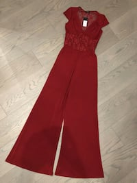 NWT Guess Jumpsuit!! - Size Small S Vancouver, V5M 1T4