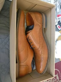 pair of brown leather dress shoes Toronto, M3J 2S5