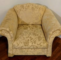 brown and beige floral fabric sofa chair Toronto, M2M 1R5