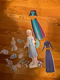 Elsa magnetic dress up
