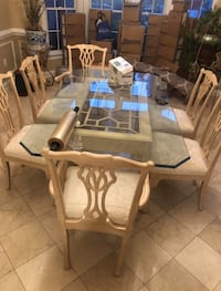 Glass dinning room table and 6 chairs Chantilly, 20166