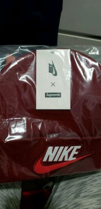 black and white Nike jersey shirt Queens, 11103