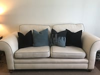 Sofa *WILLING TO NEGOTIATE PRICE* Saint Petersburg, 33713