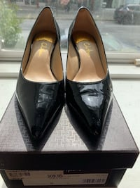 Cole Haan black patent leather pump Vancouver, V6E 1W1