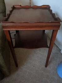 2 Antique end tables