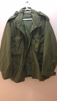 Large/XL American army jacket  Vancouver, V5K 3E2