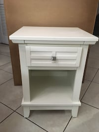 white wooden single drawer side table Miami, 33183