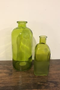 Glass vases Courtice
