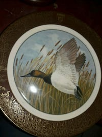 round brown and white ceramic decorative plate Moreno Valley, 92553