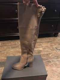 pair of brown leather knee-high boots New Braunfels, 78130