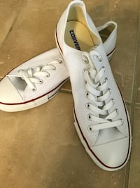 White converse low top sneakers men's