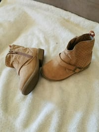 Old Navy Toddler girl boots size #8c Chicago, 60652