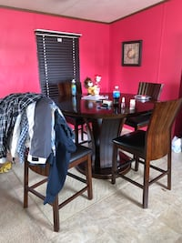 Table and 4 chairs. Must go asap. Starting at $125 obo